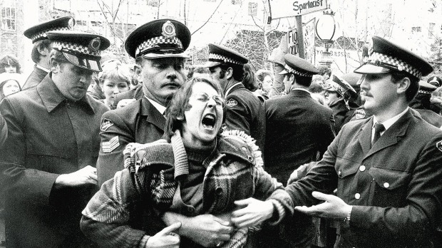The scene outside the Central Court of Petty Sessions in Sydney where gay and lesbians demonstrated in 1978. Photo: Fairfax Media Read more: http://www.smh.com.au/nsw/the-sydney-morning-herald-apologises-to-mardi-gras-founders-the-78ers-20160224-gn26jm.html#ixzz41oNGHeys  Follow us: @smh on Twitter | sydneymorningherald on Facebook